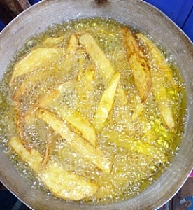 Sliced chips in a frying process