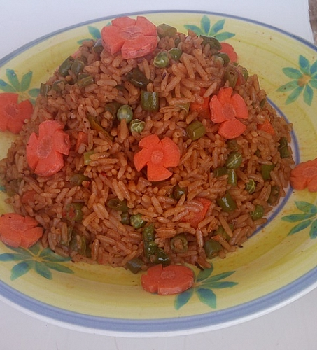 How to prepare Jollof rice (Party Rice) with mixed vegetables