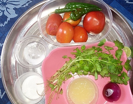 Ingredients for tomato salsa