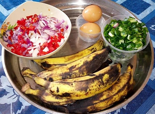 Plantain with egg sauce ingredients