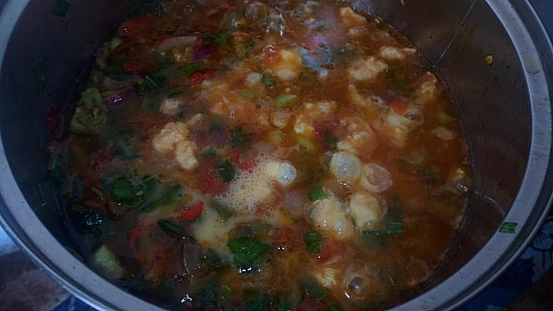 Once the egg has set, stir and leave the sauce to cook on a low heat for few 1 minute before taking it off from heat.