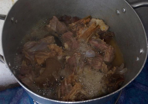Cooking of meat for egusi soup