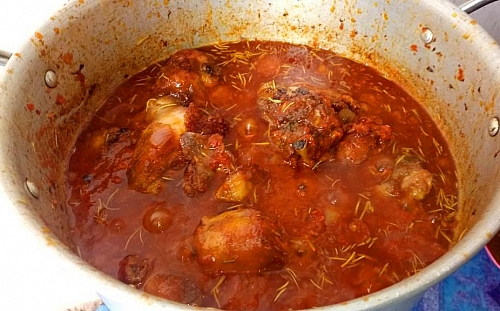 Chicken is added back into the stew. Leave this to cook for a while before you take the stew off from heat