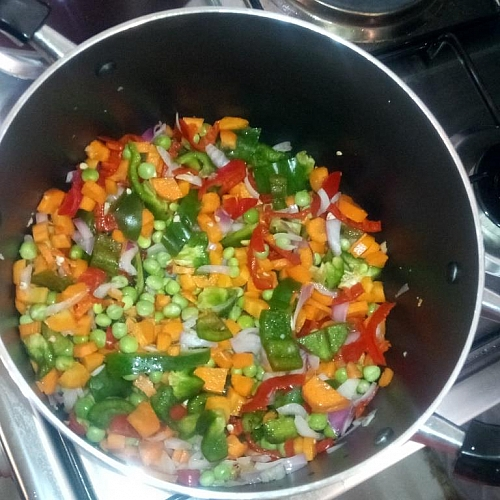 Stir fry the vegetables without oil on medium heat