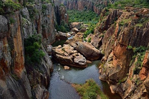 Picture showing a valley that was created by water erosion. Photo credit: Love South Africa (Facebook)