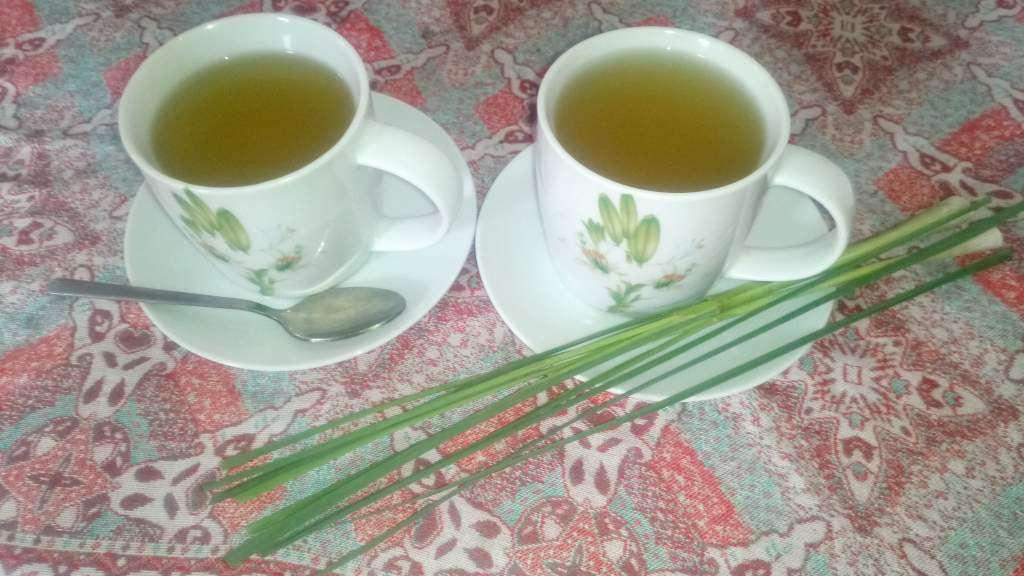 homemade lemongrass tea