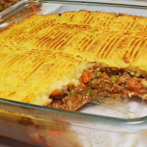 Easy Shepherd's Pie with crust of mashed potatoes and lamb