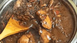 Brown stew chicken is thicken